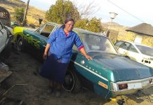 Nosipho-Kholutsoane,-Lereku-Trading-Classic-Cars,-with-1970-Valiant-Regal
